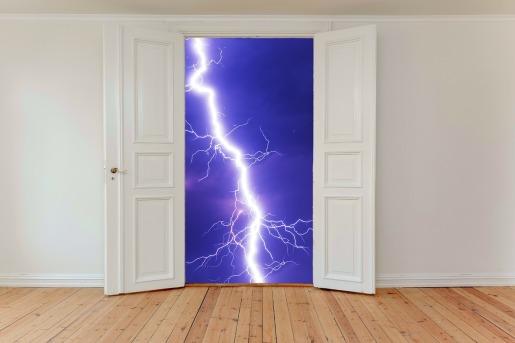 hinged-doors-2770571_1280